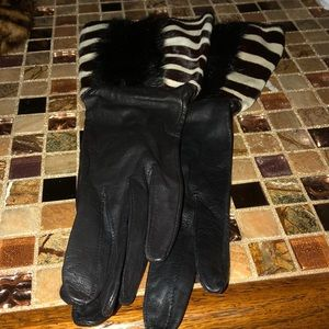 Four pairs of leather gloves